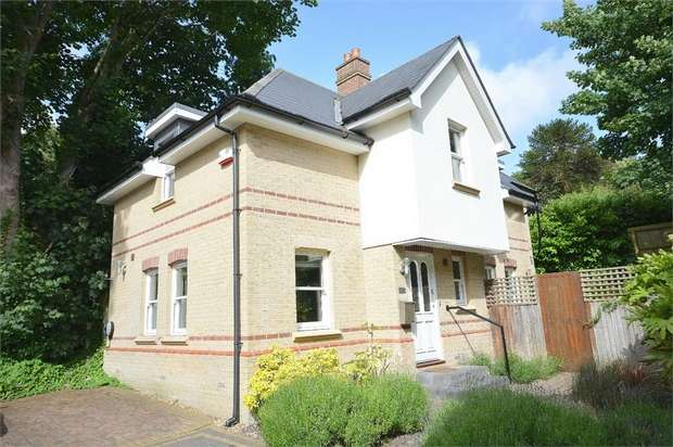 3 Bedrooms Detached House for sale in Meyrick Park, Bournemouth, Dorset