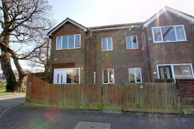 3 Bedrooms End Of Terrace House for sale in Leigh Park