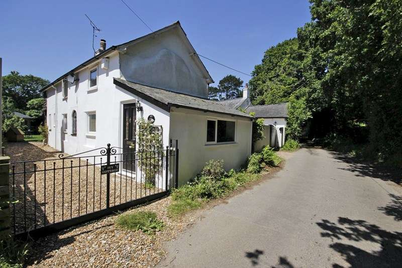 3 Bedrooms Detached House for sale in Waterditch Road, Bransgore, Christchurch