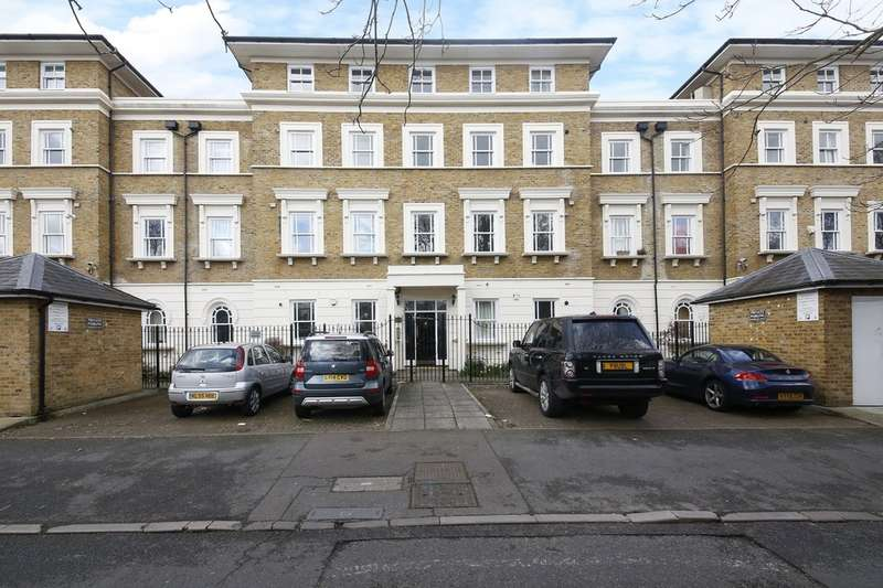 2 Bedrooms Flat for sale in Lloyd Villas, Lewisham Way, Brockley SE4 1US