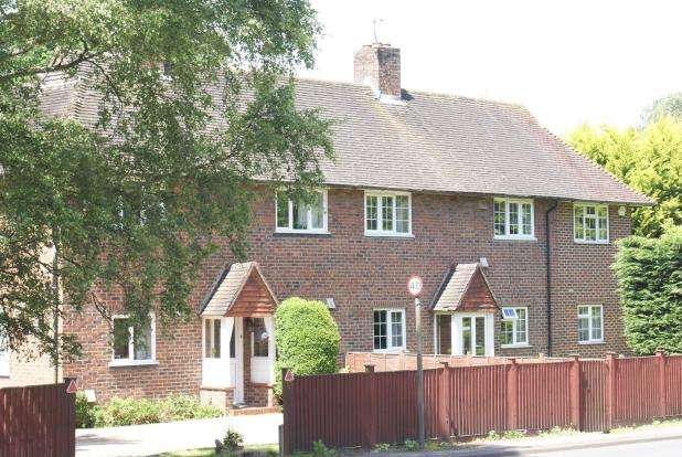 4 Bedrooms Semi Detached House for sale in Clandon Road, West Clandon, Guildford
