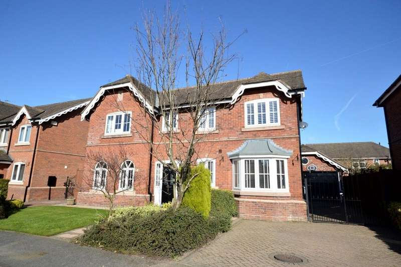 4 Bedrooms Detached House for sale in Ashberry Drive, Appleton Thorn, Warrington