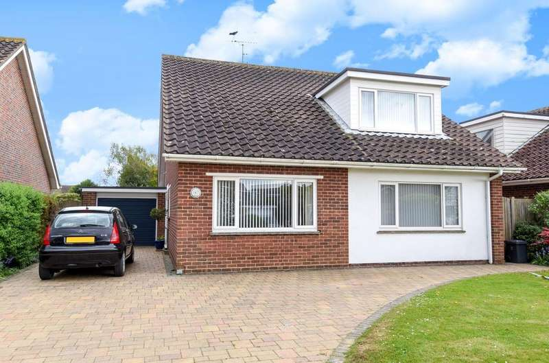 4 Bedrooms Detached Bungalow for sale in Regis Avenue, Aldwick Bay, Bognor Regis, PO21