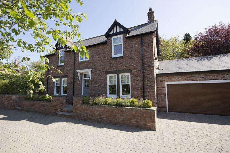 4 Bedrooms Detached House for sale in Strathmore Road, Rowlands Gill