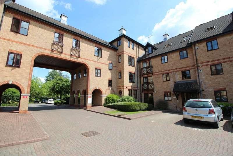2 Bedrooms Apartment Flat for sale in Lawrence Moorings, Sheering Mill Lane, Sawbridgeworth CM21