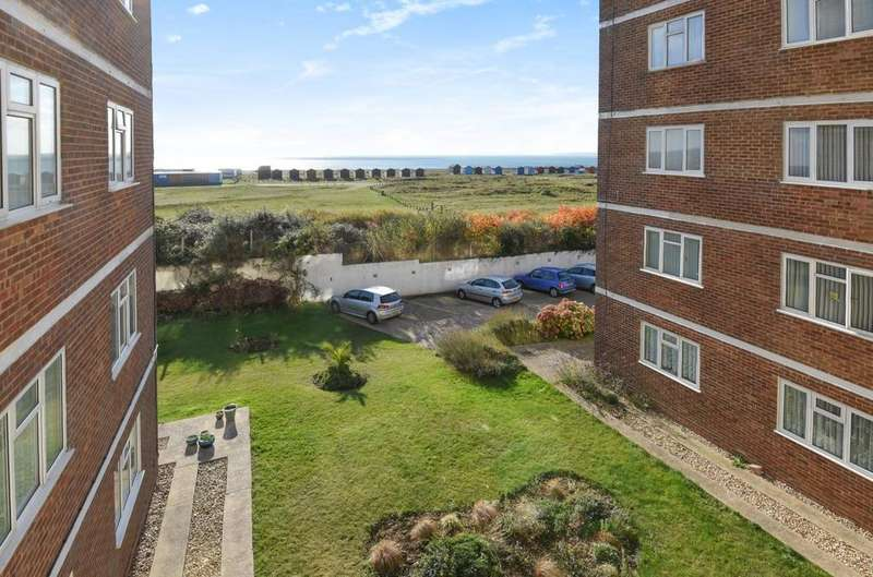 3 Bedrooms Flat for sale in Ward Court, Sea Front, Hayling Island, PO11