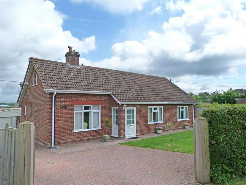 3 Bedrooms Detached House for sale in Church Road, Old Clehonger, Hereford, HR2
