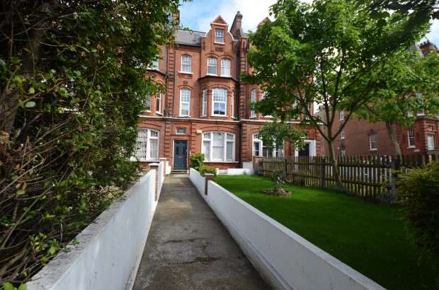 3 Bedrooms Flat for rent in Flat A Clapham Road, Clapham North, SW9