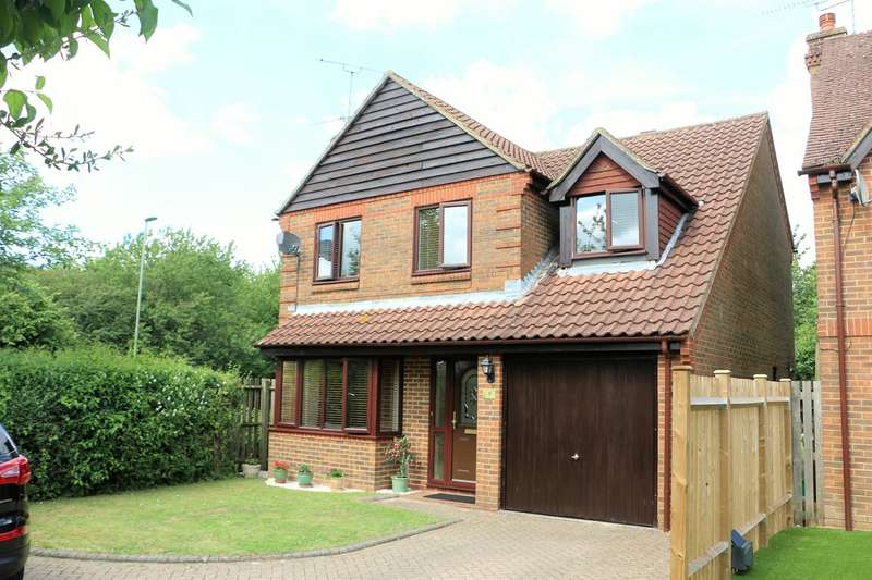 4 Bedrooms Detached House for sale in Holmes Close, Hatch Warren, Basingstoke, RG22