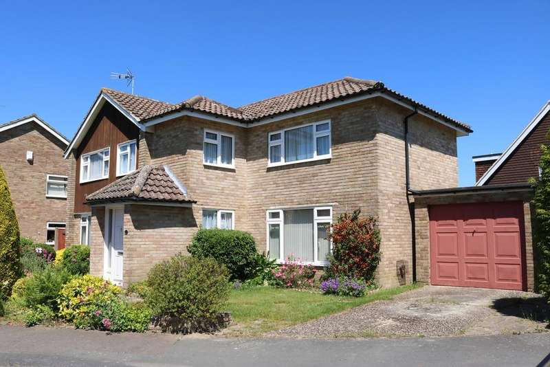 4 Bedrooms Detached House for sale in Rowan Way, Horsham, West Sussex, RH12