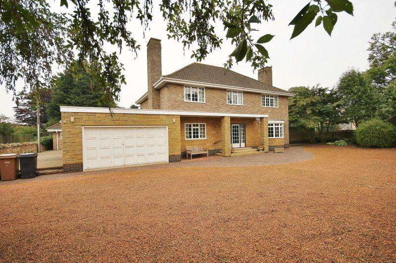 3 Bedrooms Detached House for sale in Brockgate Lodge, Alnwick Road, Lesbury, Alnwick