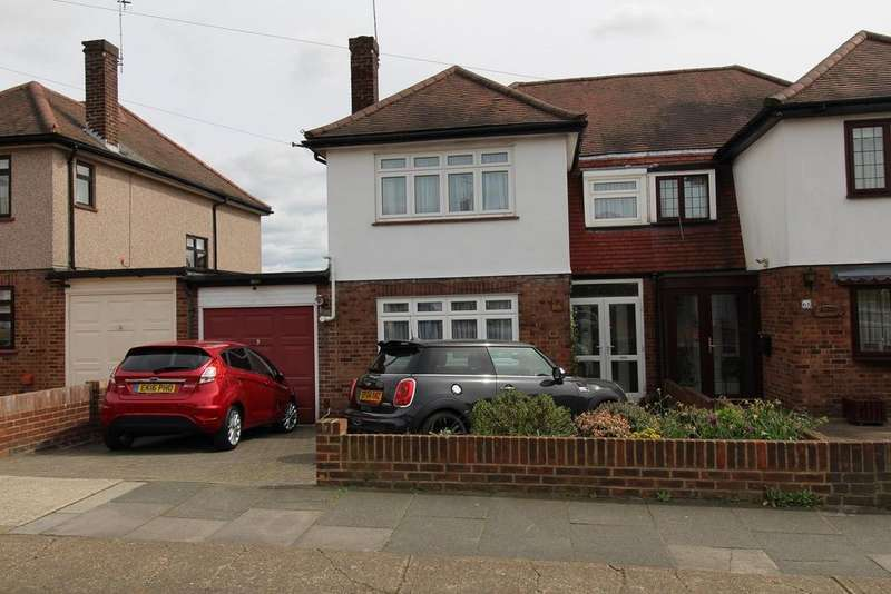 3 Bedrooms Semi Detached House for sale in Marlborough Gardens, Upminster, Essex, RM14