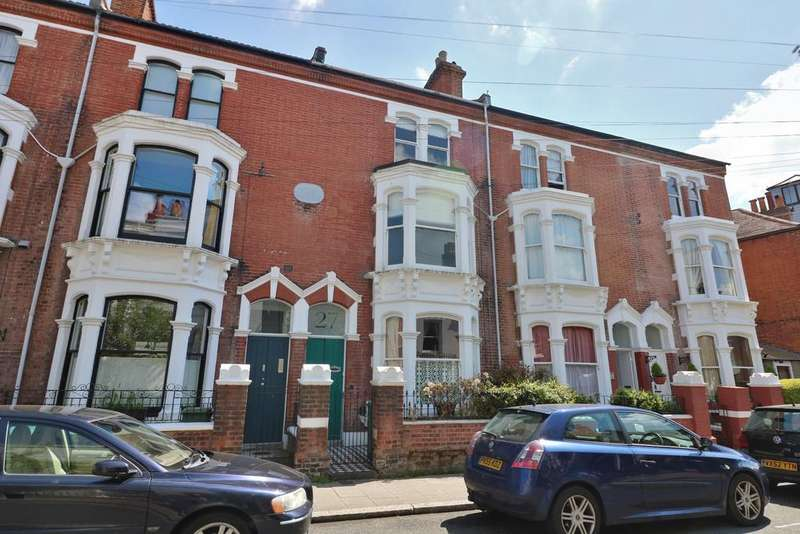 5 Bedrooms Terraced House for sale in Castle Road, Southsea