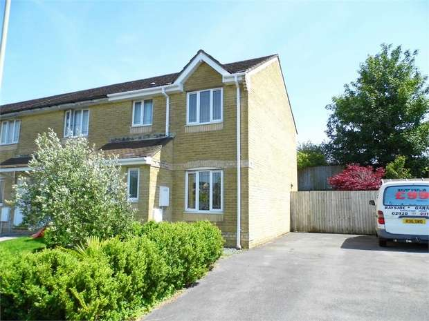 3 Bedrooms Semi Detached House for sale in Mackworth Street, Bridgend, Bridgend, Mid Glamorgan