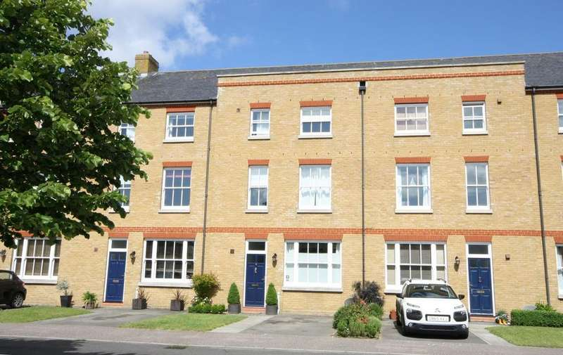 4 Bedrooms Town House for sale in Cavalry Court, Walmer