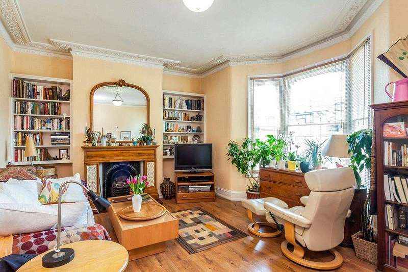 3 Bedrooms Maisonette Flat for sale in Dartmouth Park Hill, Archway, London, N19
