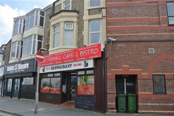 2 Bedrooms Flat for sale in Foxhall Square, Blackpool