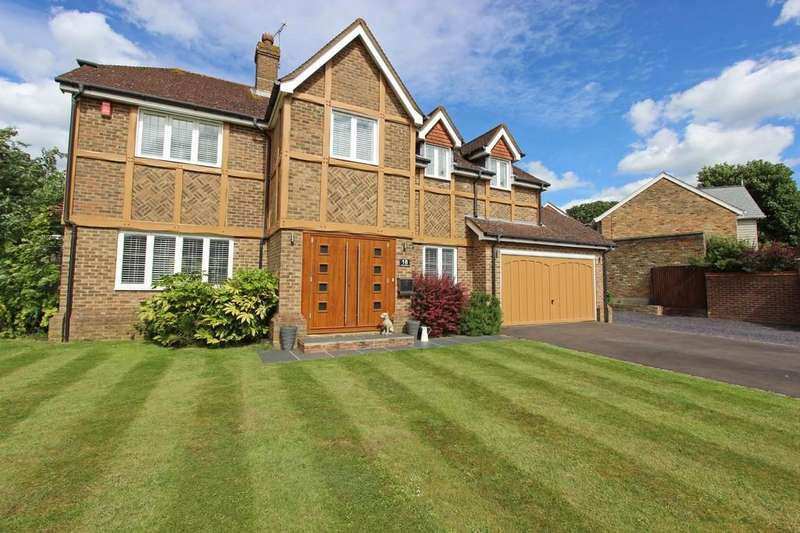5 Bedrooms Detached House for sale in Beechfield, Banstead