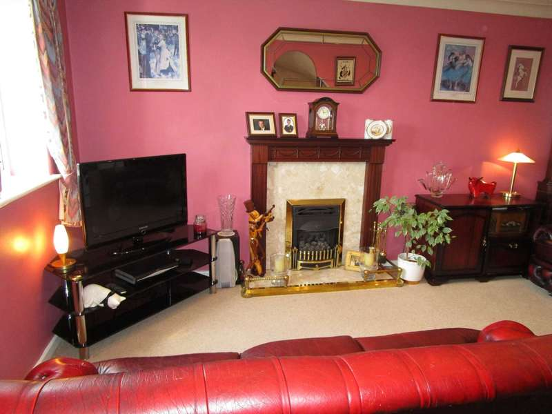 3 Bedrooms Semi Detached House for sale in Gilbrook Way, Rochdale