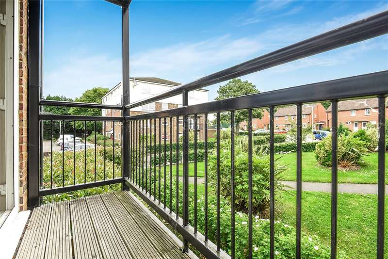 2 Bedrooms Apartment Flat for sale in Keith Park Road, Uxbridge, Middlesex, UB10