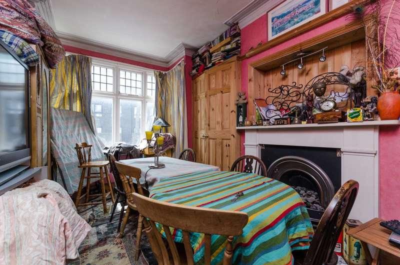 2 Bedrooms Maisonette Flat for sale in Crabtree Lane, Fulham, SW6