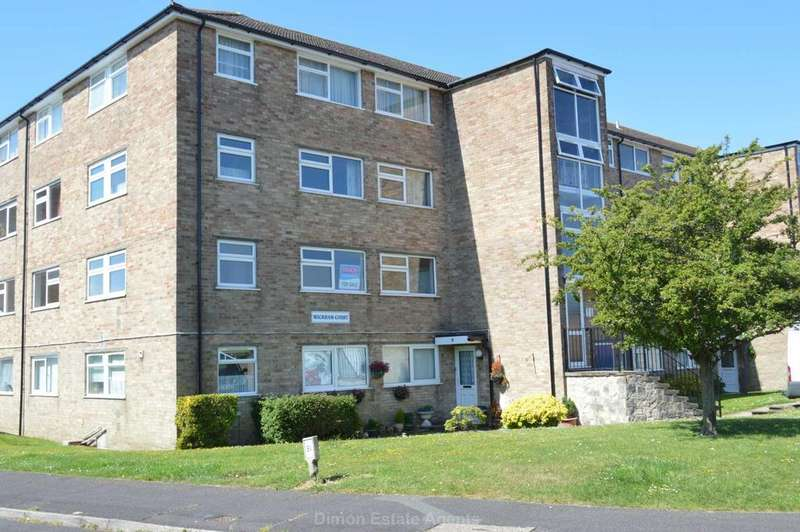 3 Bedrooms Flat for sale in Gale Moor Avenue, Gomer