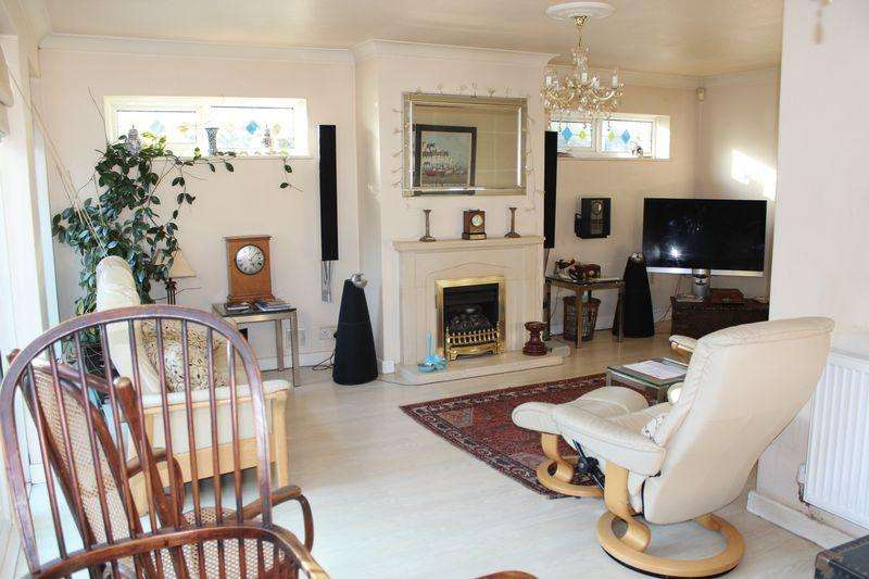 2 Bedrooms Bungalow for sale in Cliftonville