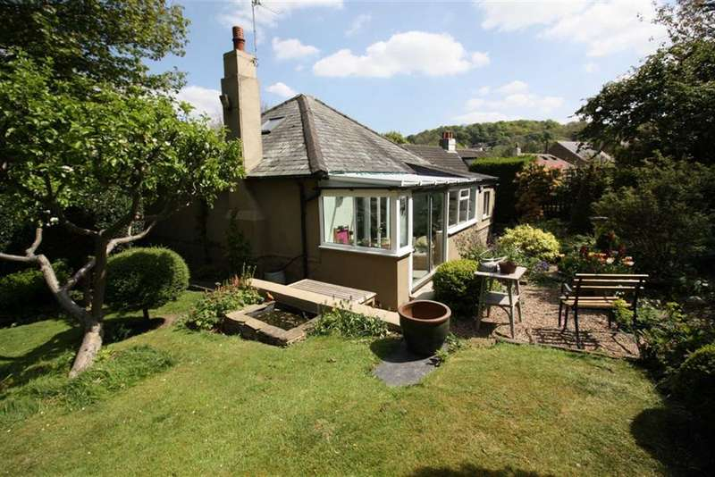 2 Bedrooms Bungalow for sale in Somerset Road, Almondbury, Huddersfield