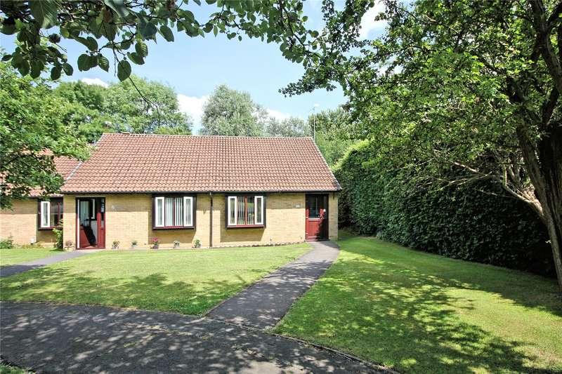 2 Bedrooms Bungalow for sale in Fairmead, Woking, Surrey, GU21
