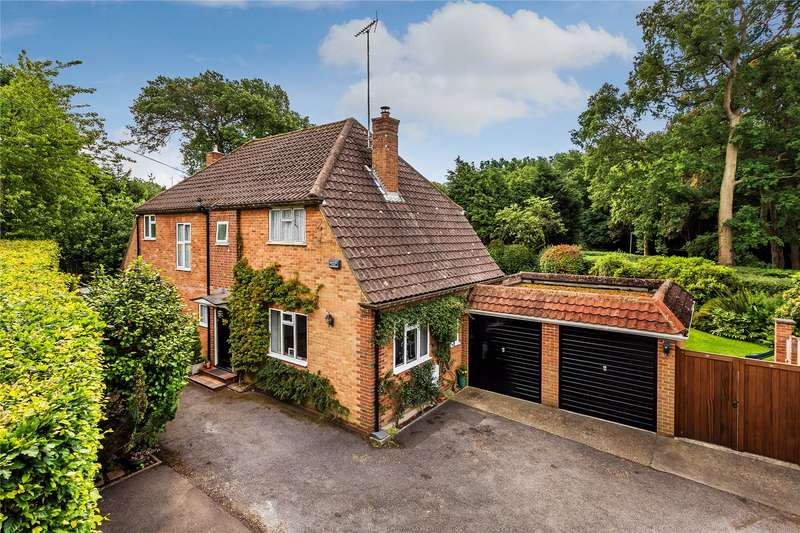 4 Bedrooms Detached House for sale in St Johns Hill Road, Woking, Surrey, GU21