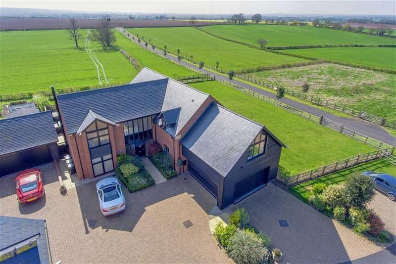 5 Bedrooms Detached House for sale in Flint Hall Farm, Newbold Pacey, Warwick