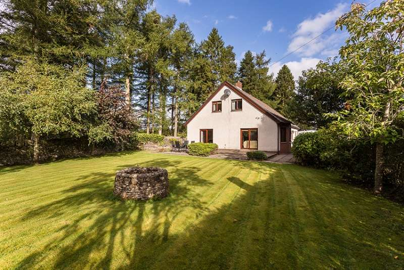 5 Bedrooms Detached House for sale in Dundee Road, Meigle, Perth and Kinross, PH12 8SF