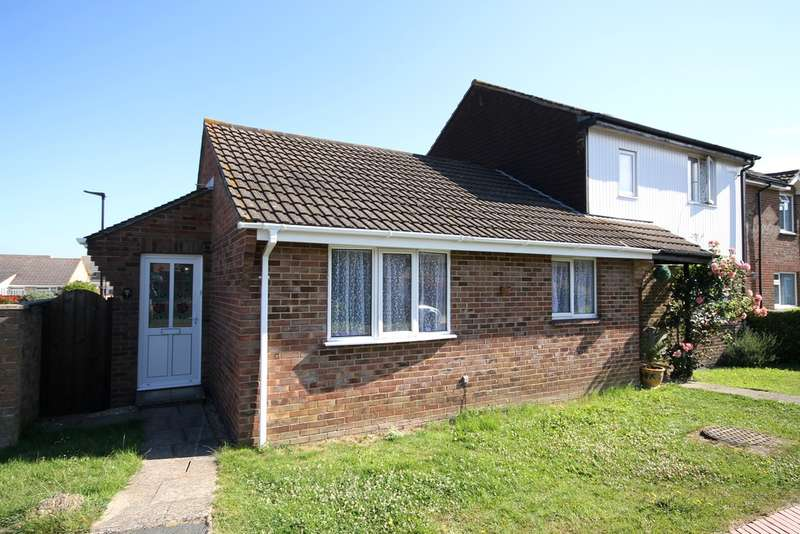 2 Bedrooms Semi Detached Bungalow for sale in Carisbrooke, Isle of Wight