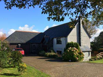 4 Bedrooms Detached House for sale in Tregonna, Little Petherick, Wadebridge