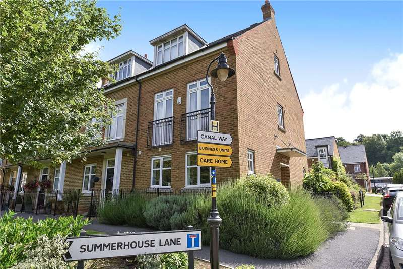 4 Bedrooms End Of Terrace House for sale in Summerhouse Lane, Harefield, Uxbridge, Middlesex, UB9