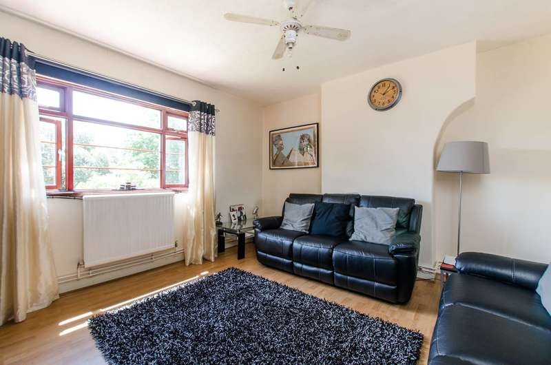 4 Bedrooms Flat for sale in Poynders Gardens, Clapham, SW4