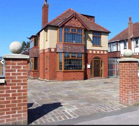 4 Bedrooms Detached House for sale in 760 Blackpool Road, Ashton-on-Ribble, Preston, PR2