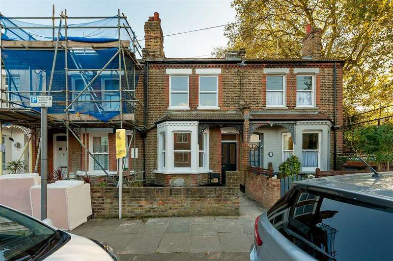 3 Bedrooms Terraced House for sale in Old Road, London