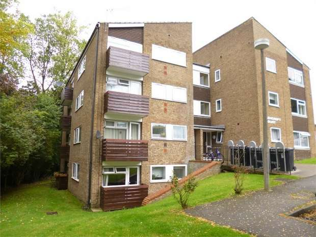 1 Bedroom Flat for sale in Ashcroft Court, Fern Drive, HEMEL HEMPSTEAD, Hertfordshire