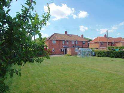 3 Bedrooms Semi Detached House for sale in Drayton, Norwich, Norfolk