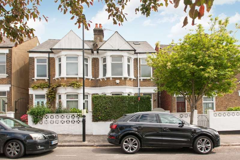3 Bedrooms Flat for sale in Wells House Road, London