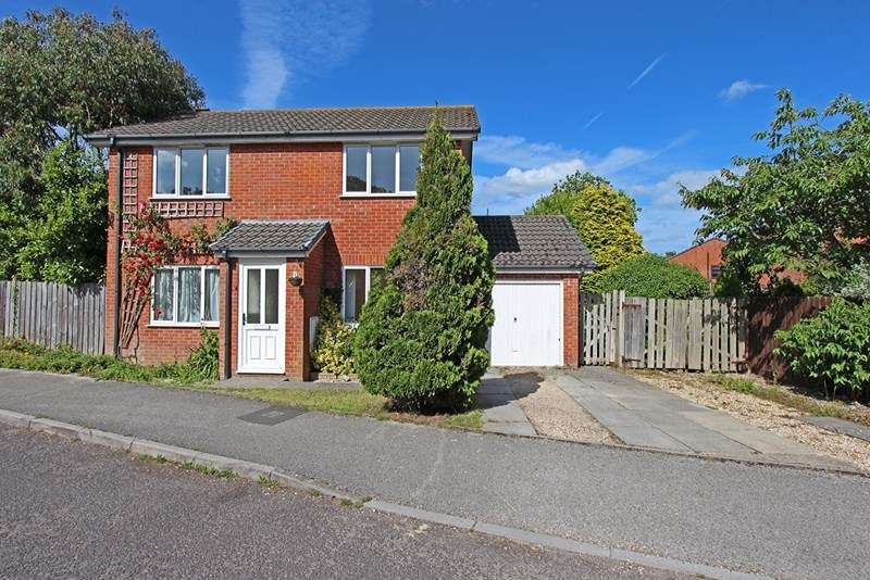 4 Bedrooms Detached House for sale in Acacia Road, Hordle, Lymington