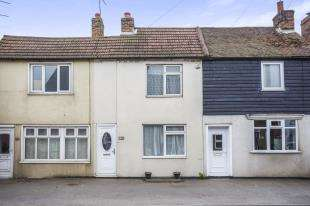 2 Bedrooms Terraced House for sale in London Road, Teynham, Sittingbourne