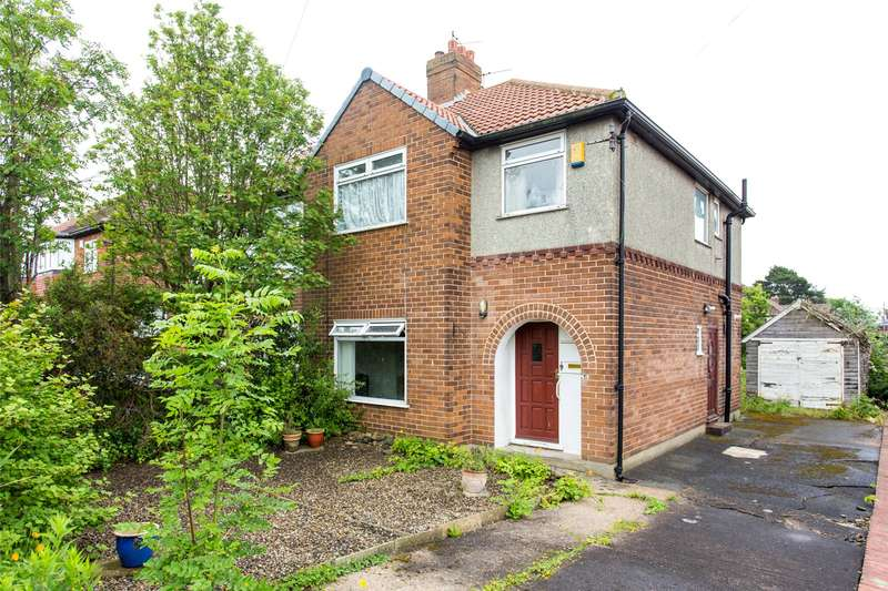 3 Bedrooms Semi Detached House for sale in The Avenue, Alwoodley, Leeds, West Yorkshire, LS17