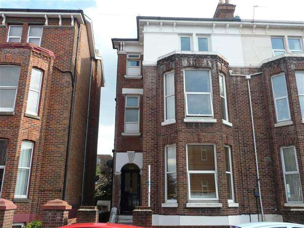 2 Bedrooms Apartment Flat for sale in St. Ronans Road, Southsea