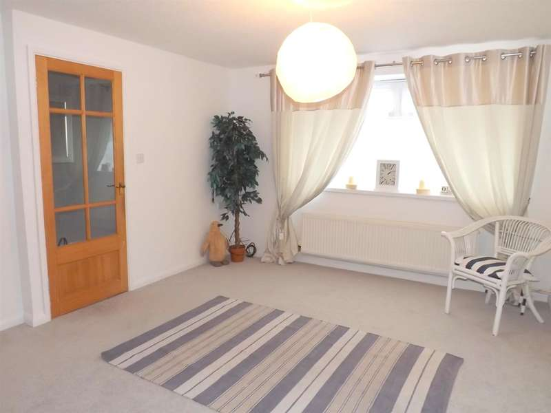 2 Bedrooms Apartment Flat for sale in Hawthorn Drive, Wembury, Nr Plymouth