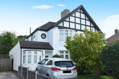 4 Bedrooms House for sale in Queensway, West Wickham