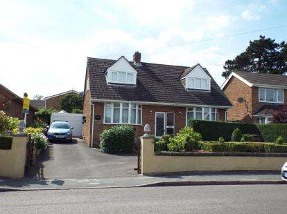 3 Bedrooms Detached House for sale in Rolleston Road, Burton-on-Trent, Staffordshire