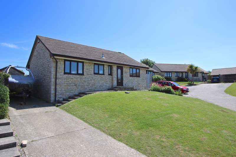 3 Bedrooms Bungalow for sale in HIGHER DAYS ROAD, SWANAGE