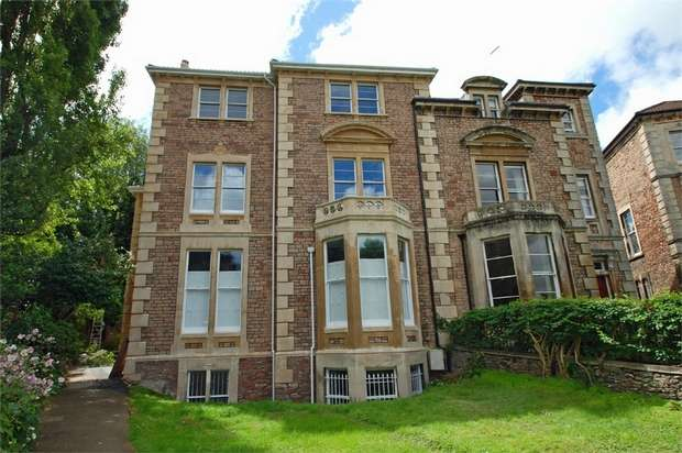 2 Bedrooms Flat for rent in Worcester Crescent, Clifton, Bristol